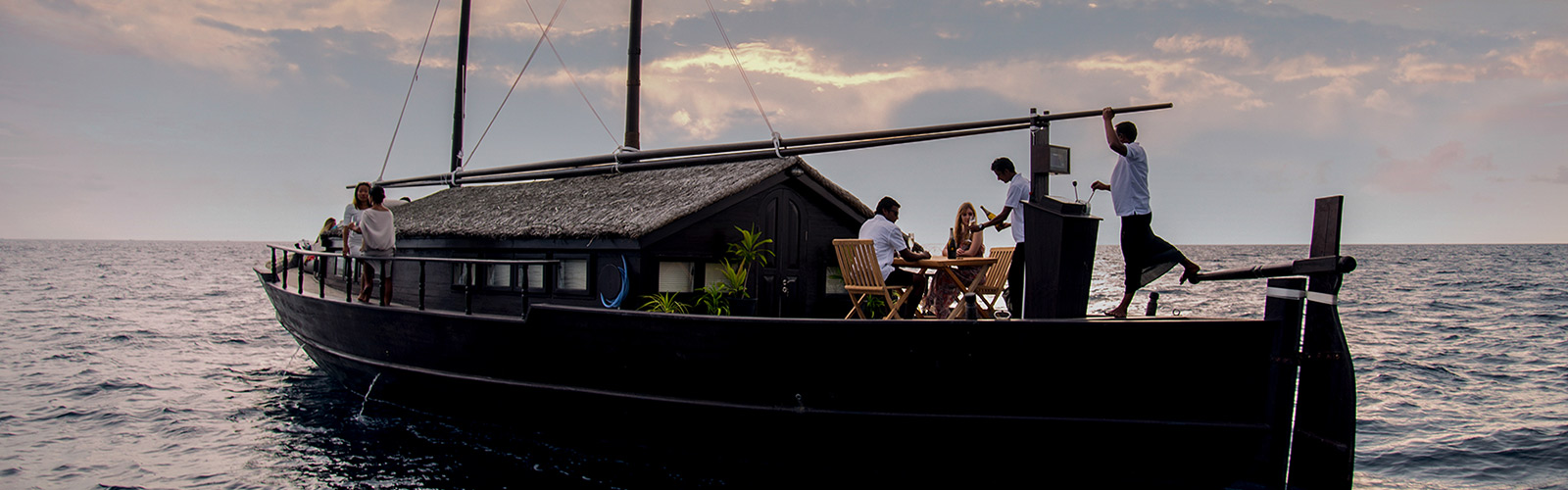 Romantic luxury cruise Maldives